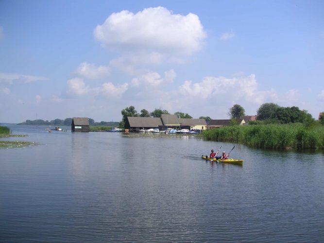 Woblitzsee Wesenberg Hafen Fischer